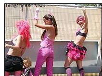 Frauen die im Stehen pinkeln